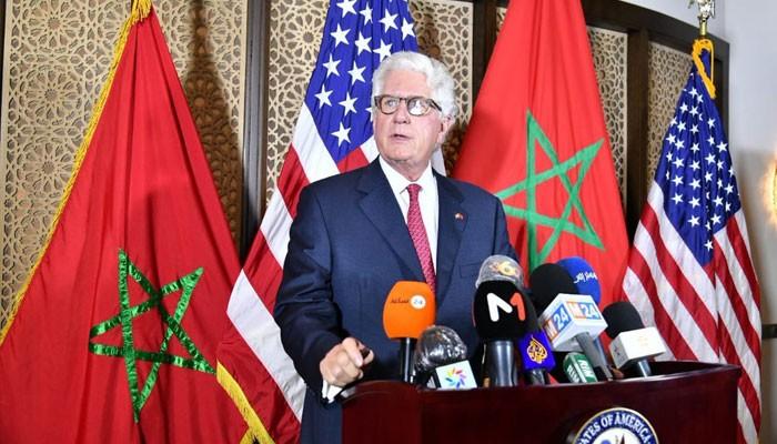 Alger déclare la «guerre des cartes»