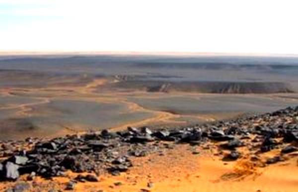 SAHARA ORIENTAL: Mine de fer à Tindouf l'Algérie entame l'exploitation